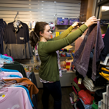 WITC student shopping the WITC bookstore